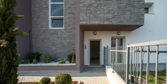 Appartamento al piano terra con cortile